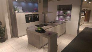 Küche grau Hochglanz